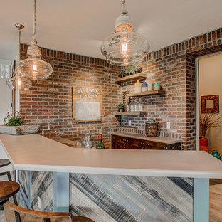 Immagine di un armadio bar minimalista di medie dimensioni con lavello sottopiano, ante con bugna sagomata, ante blu, top in cemento, paraspruzzi con piastrelle a mosaico, pavimento in ardesia e pavimento grigio