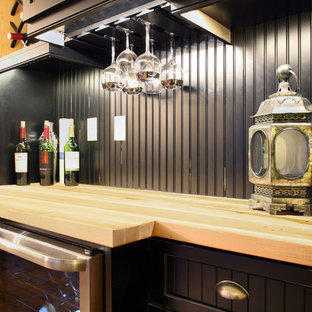 Inspiration for a mid-sized farmhouse home bar remodel in New York