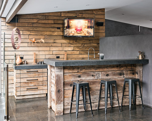 Best Rustic Home Bar With Distressed Cabinets Design Ideas Remodel Pictures Houzz