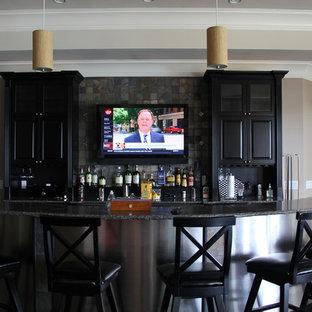 Aménagement d'un bar de salon moderne.