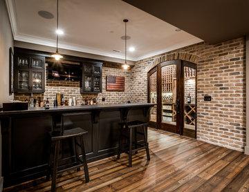 Bar & Wine Room