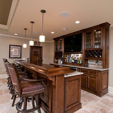 Traditional Basement Bar