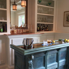 Traditional Home Bar by 's Wonderful Interiors