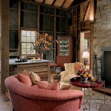 Traditional Home Bar by Archer & Buchanan Architecture, Ltd.