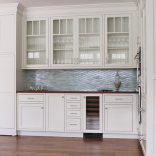 Cape Cod Home: Kitchen & Dining Area