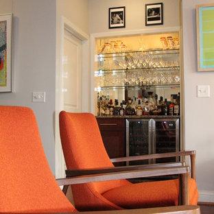 ワシントンD.C.のミッドセンチュリースタイルのおしゃれなホームバーの写真