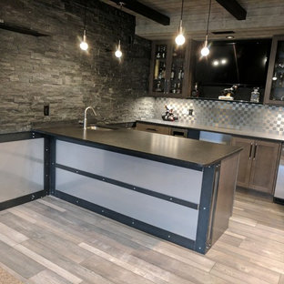 Wet Bar   Mid Sized Industrial U Shaped Light Wood Floor And Gray Floor