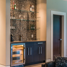 Modern Home Bar by The Interior Design Group