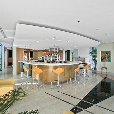 Seated home bar - contemporary u-shaped seated home bar idea in Gold Coast - Tweed with mirror backsplash