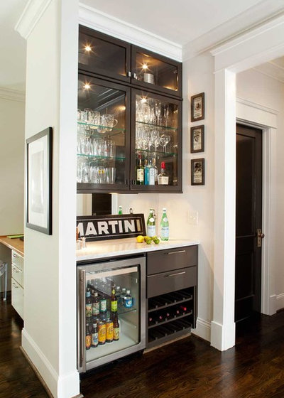 Contemporary Home Bar by Terracotta Design Build