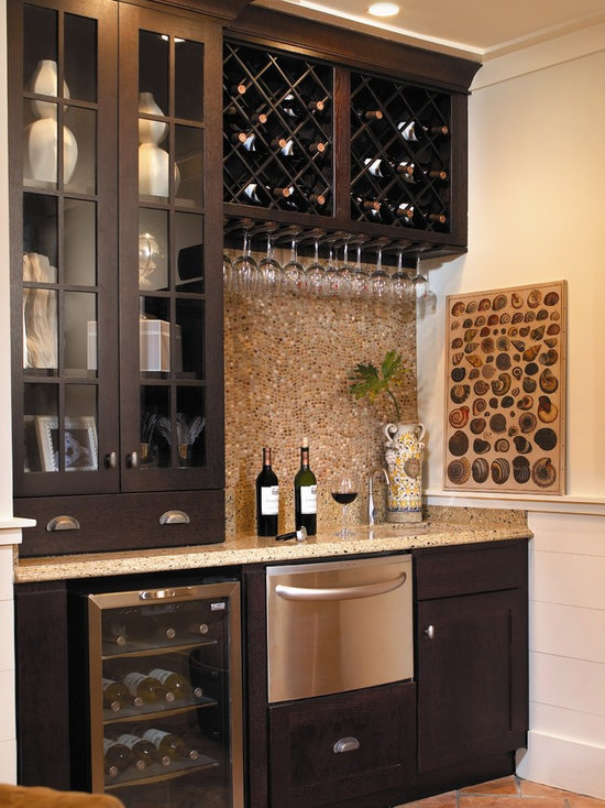 Mid Sized Traditional Home Bar Design Ideas, Remodels U0026 Photos
