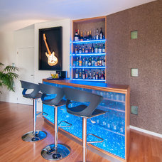 Contemporary Home Bar by Sabine Georges - Agence Atelier Pourpre