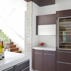 Modern Kitchen by mohment