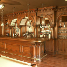 Traditional Home Bar by WL INTERIORS
