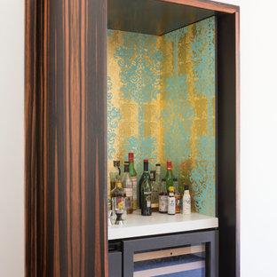 Kleine, Einzeilige Moderne Hausbar mit bunter Rückwand in San Francisco