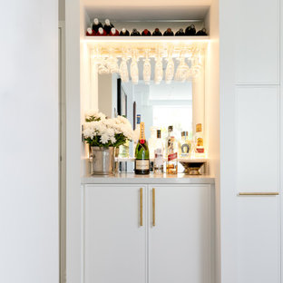 Contemporary home bar in Sydney.