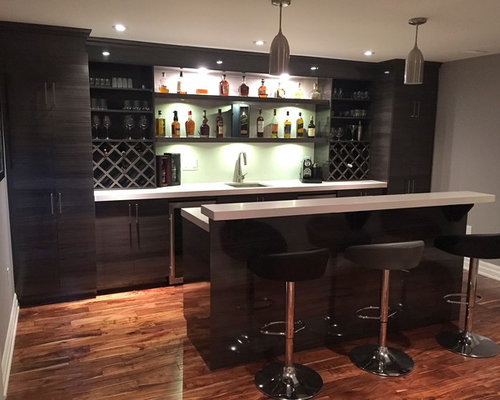 This Is An Example Of A Modern Home Bar In Toronto.