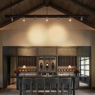 Foto di un grande bancone bar design