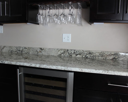 Houzz | Timberlake Cabinet Home Bar Design Ideas & Remodel Pictures