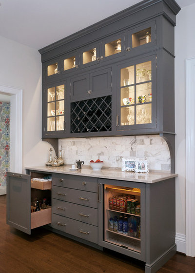 Traditional Home Bar by Evalia Design, LLC.