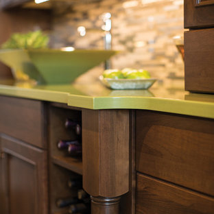 Example of a mid-sized classic home bar design in Atlanta