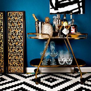 Inspiration för en funkis hemmabar, med flerfärgat golv