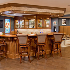 Traditional Home Bar by Superior Woodcraft, Inc.