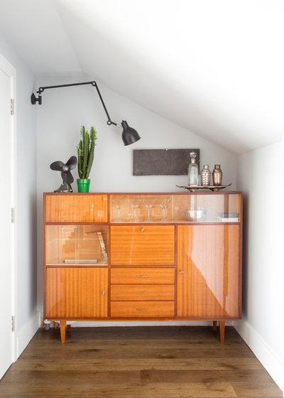 Contemporary Home Bar by Mel Massey Studio