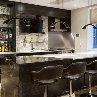 Exemple d'un très grand bar de salon moderne.