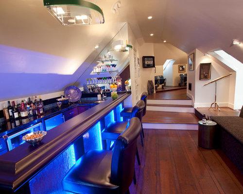 Bar de salon moderne avec un placard porte affleurante for Grand placard salon