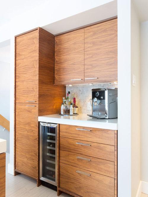 Angolo bar moderno con top in quarzite foto idee for Angolo bar moderno
