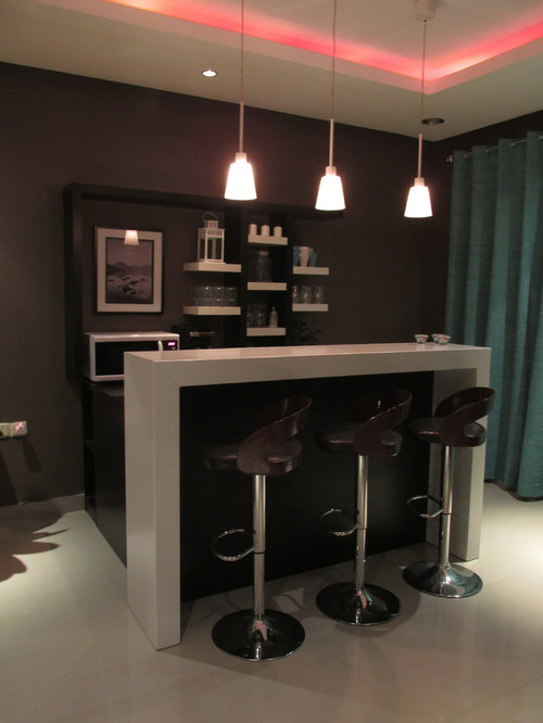 bar de salon moderne avec un plan de travail en bois photos et id es d co de bars de salon. Black Bedroom Furniture Sets. Home Design Ideas