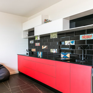 Contemporary home bar in Adelaide.