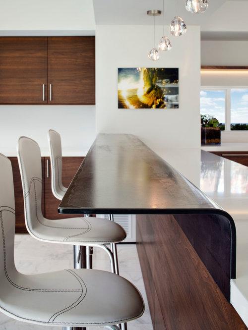 hausbar mit marmorboden und bartheke einrichten ideen design bilder. Black Bedroom Furniture Sets. Home Design Ideas