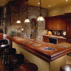 Traditional Family Room by Sesshu Design Associates, Ltd