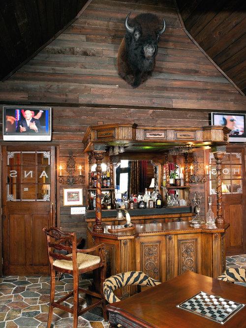 bar de salon montagne avec un placard en trompe l 39 oeil photos et id es d co de bars de salon. Black Bedroom Furniture Sets. Home Design Ideas