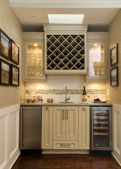 American Traditional Home Bar by MET Interiors