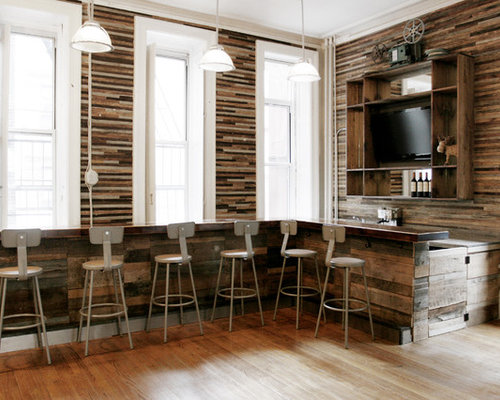 Small Mountain Style Galley Seated Home Bar Photo In New York With Medium  Tone Hardwood Floors