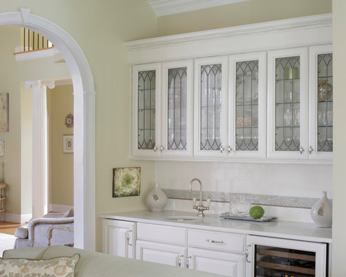 Example Of A Mid Sized Country Single Wall Light Wood Floor Wet Bar Design