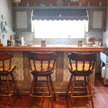 Rustic Farm House Wet Bar