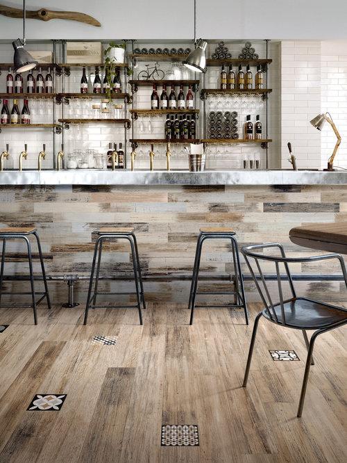 bar de salon moderne avec un placard sans porte photos et id es d co de bars de salon. Black Bedroom Furniture Sets. Home Design Ideas