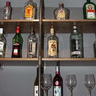 Cette photo montre un bar de salon romantique de taille moyenne.