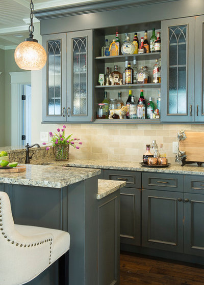 Traditional Home Bar by City Lights - Design and Build