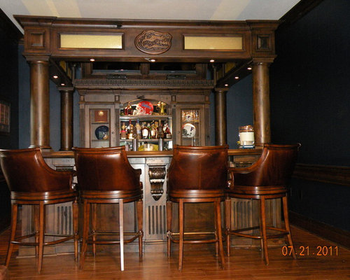 Traditional Tampa Home Bar Design Ideas, Remodels & Photos