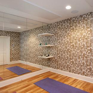 Esempio di uno studio yoga chic