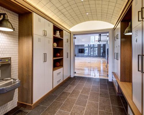Fitnessraum mit porzellan bodenfliesen ideen design for Boden fitnessraum