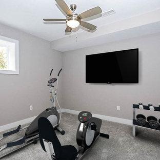 Shabby-Look Fitnessraum in Cincinnati