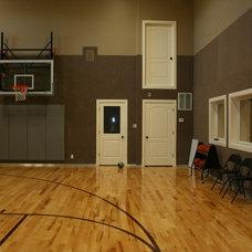 Contemporary Home Gym by Design Dacoy