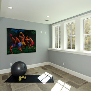Inspiration for a transitional home gym remodel in Minneapolis