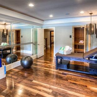 Multifunktionaler Klassischer Fitnessraum mit grauer Wandfarbe in Atlanta